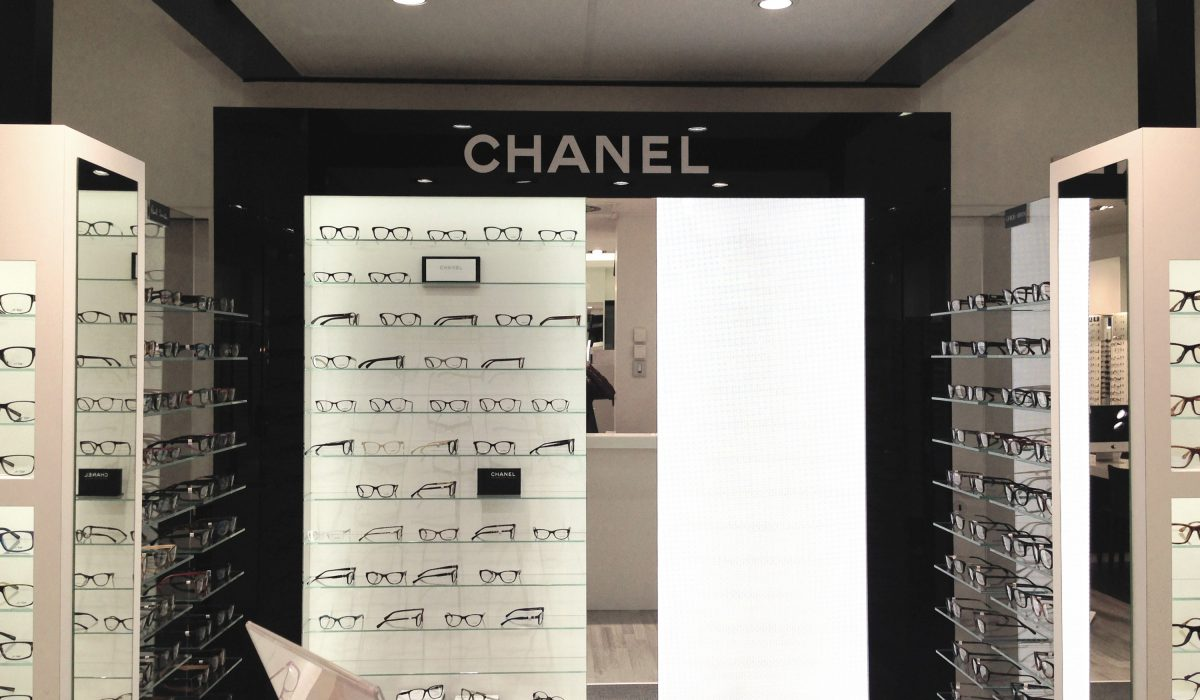 Meuble Chanel, exposition de montures